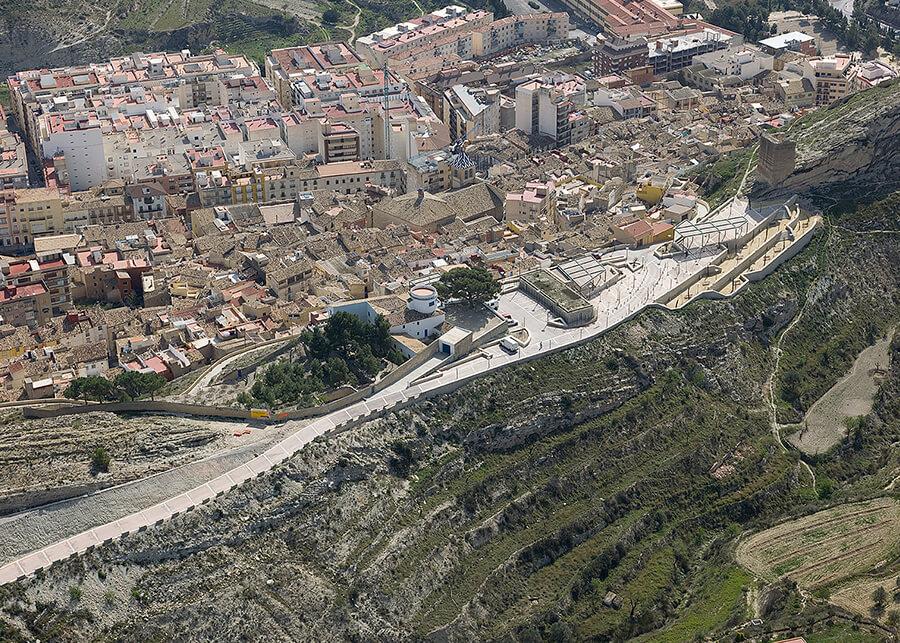 Binaria-CGC-13-Urbanizacion-de-la-Plaza-del-Castillo-3