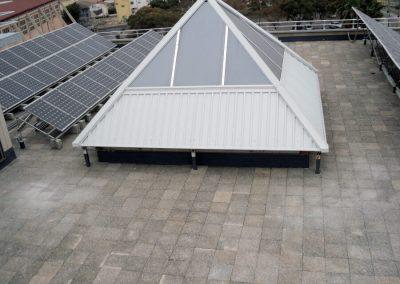 Impermeabilización de cubierta e instalación de barandillas de protección en la Biblioteca de Ciencias del Campus de Burjassot.