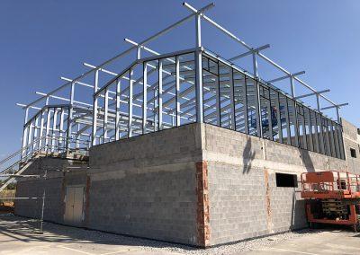Obras de construcción de un invernadero junto al Edificio de Institutos de Investigación del Campus Científico de Paterna de la Universitat de València